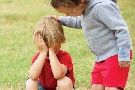 不懂共情,就会在一件事上伤害孩子2次!