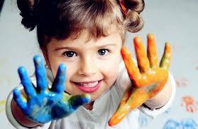 对于爱画画的孩子,家长该怎么引导?