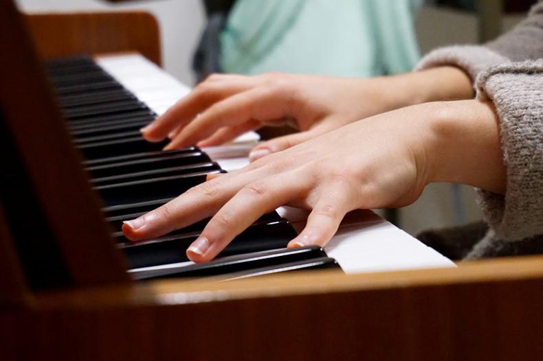 """哈佛大学研究:学乐器的孩子,""""逆商""""大不同!"""