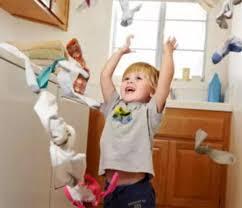 宝宝总爱扔东西,竟然是好事?