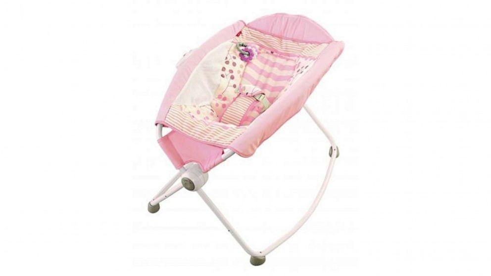 32名婴儿或因这款摇篮床丧生 制造商仍坚持没安全问题