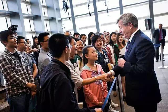 中国人赴美留学大门会慢慢关闭吗?最惨的是这类签证