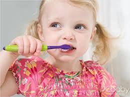 超全宝宝口腔护理指南:关于宝宝刷牙的所有问题,看这一篇就够啦!