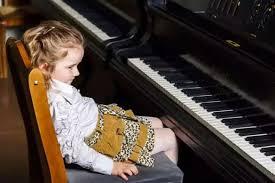 孩子弹琴爱讲条件怎么办?