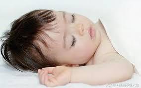 睡午觉的孩子与不睡午觉的孩子,差别很大,六岁以后你就知道了