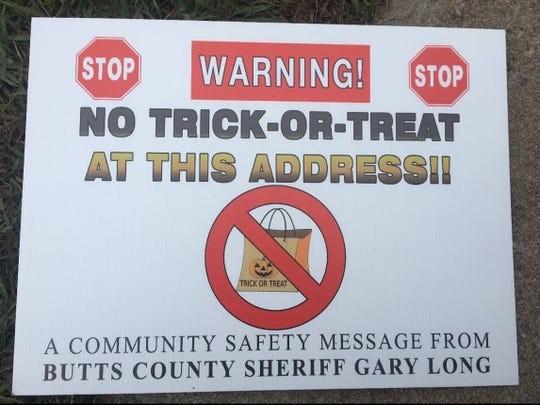 """""""这里禁止讨糖!""""保护孩子安全 乔州当局这样做是否越界?"""