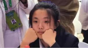 15岁女孩参加世界顶尖科学家论坛大会,颜值超高