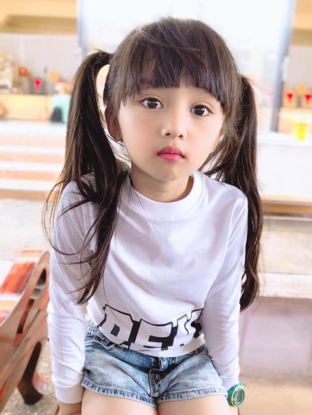 6岁小萝莉,获儿童选美冠军走红 网友:想生