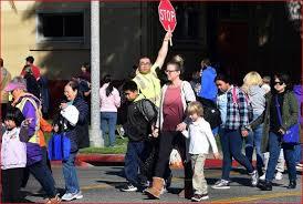 华州现第六死 金县进入紧急状态 11校停课消毒