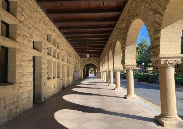 伯克利关校园 北加最大学区关闭 哈佛将腾空宿舍