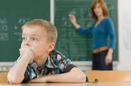 看到孩子在家发呆 很多妈妈都焦虑了 科学家说:那是他的大脑在工作!