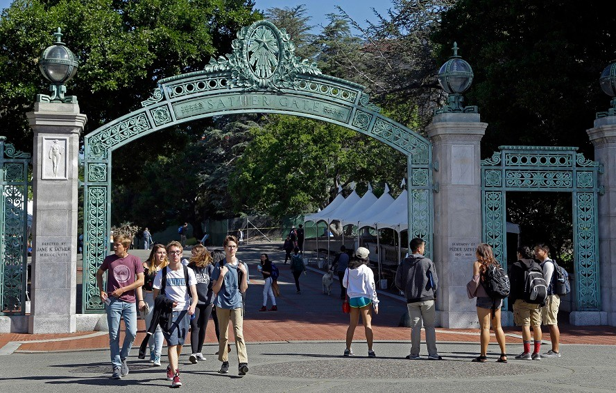 学生起诉加州大学系统 要求退还新冠期间学费