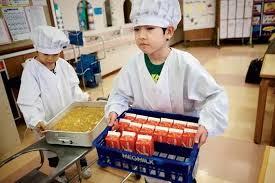 从明治到令和!日本小学生的一顿10元午餐凭啥震惊了全世界?!