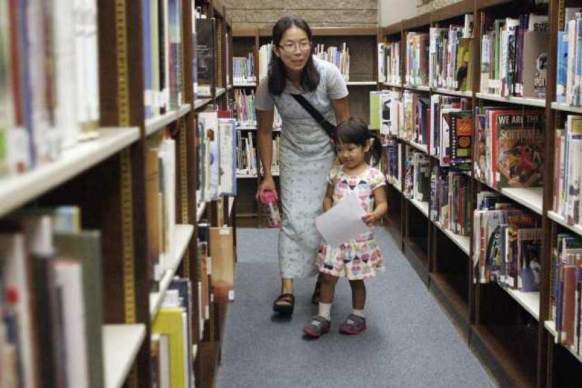 洛杉矶县图书馆开放了 可提供路边取书的服务 但借书有这些要求