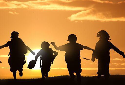 美国加州幼儿园已报告近 1000 例确诊 白宫:新冠对儿童风险低,快开学!