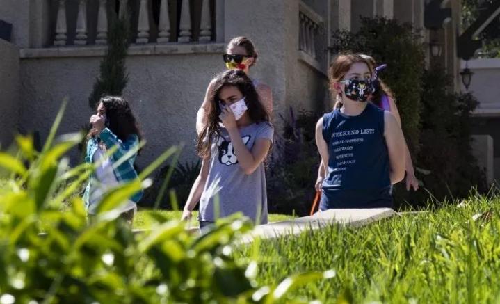 加州小学如果符合州的豁免规定,就可以重新开始面对面上课