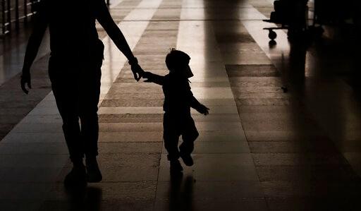 说好的免疫呢?报告称全美9.7万名孩童于7月下旬确诊新冠