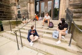康奈尔大学曝群聚感染,与学生运动员私下聚会有关