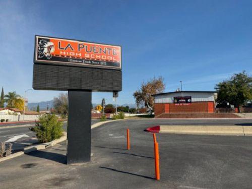 南圣盖博谷La Puente高中有7名教职员工确诊感染新冠病毒 学校关闭