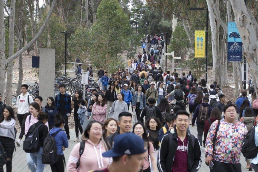 UC加州大学延长申请截止日至12月4日晚11点59分 还没申请的同学抓紧时间