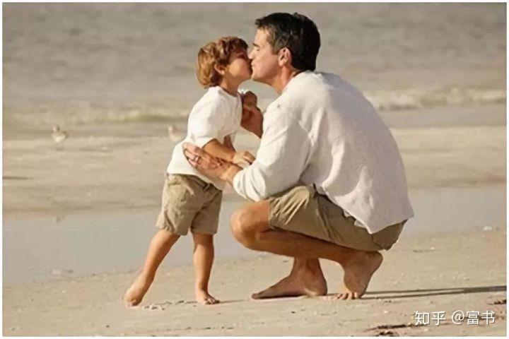 孩子不喜欢和爸爸玩,为什么?源于妈妈的几个小动作