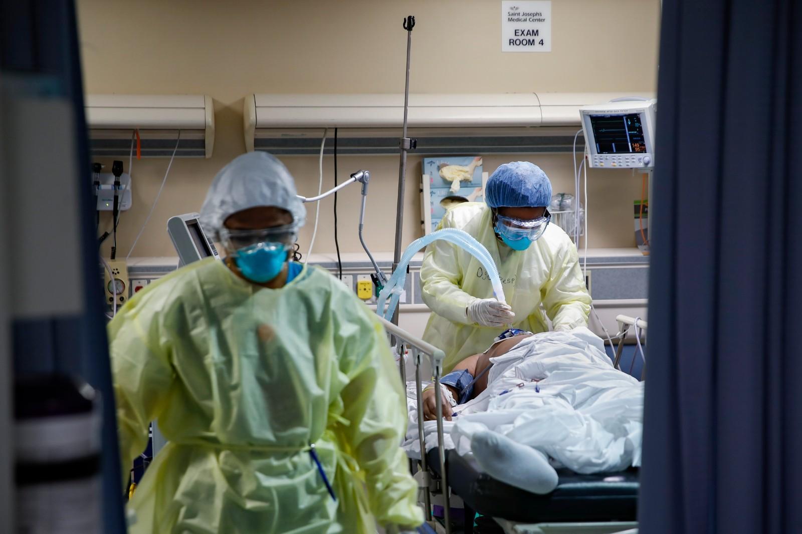 疫情之下 美国医学院今年申请人数增长前所未见
