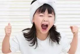 孩子发脾气时,你的反应,决定他一生的性格