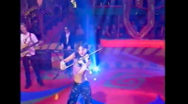 """红遍全球的华裔小提琴天才,和自己的""""虎妈""""决裂20年"""