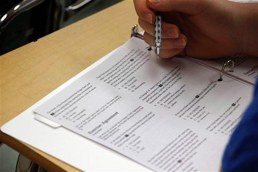 简化考试流程 SAT将取消作文和科目考试