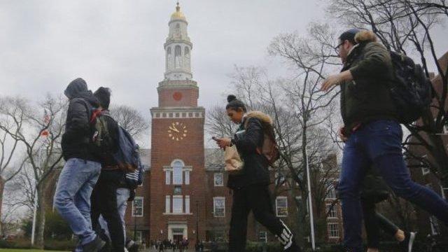 美60%大学不再要求SAT和ACT成绩 褒贬不一