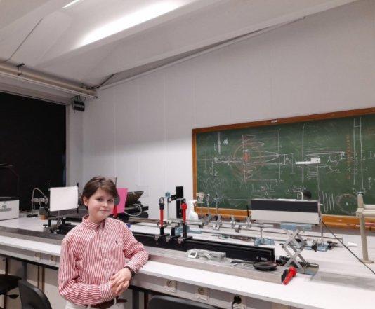 11岁神童仅花1年大学毕业 立志研发人造器官实现永生